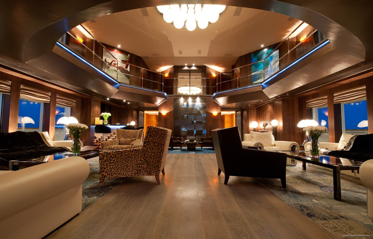 Atrium On Yacht BOADICEA