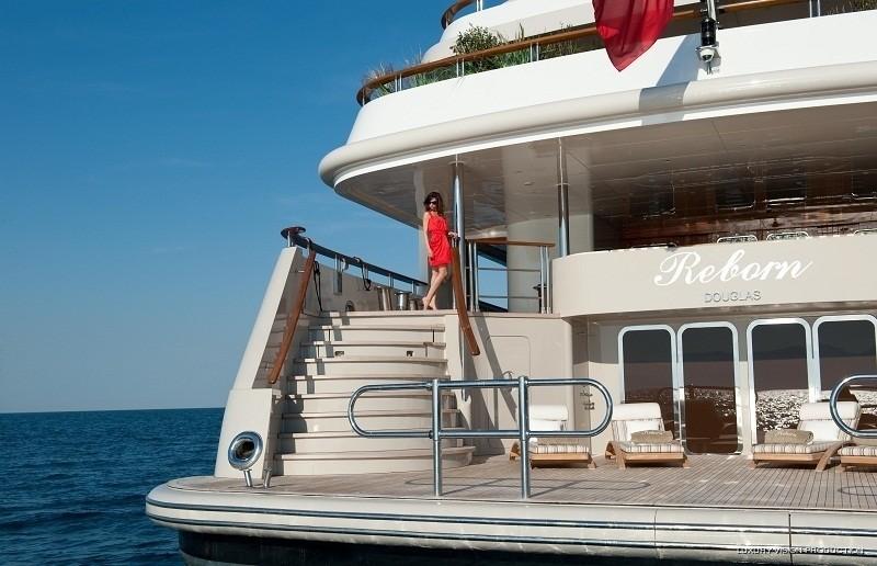 Aft Aspect: Yacht BOADICEA's Beach Beachclub Captured