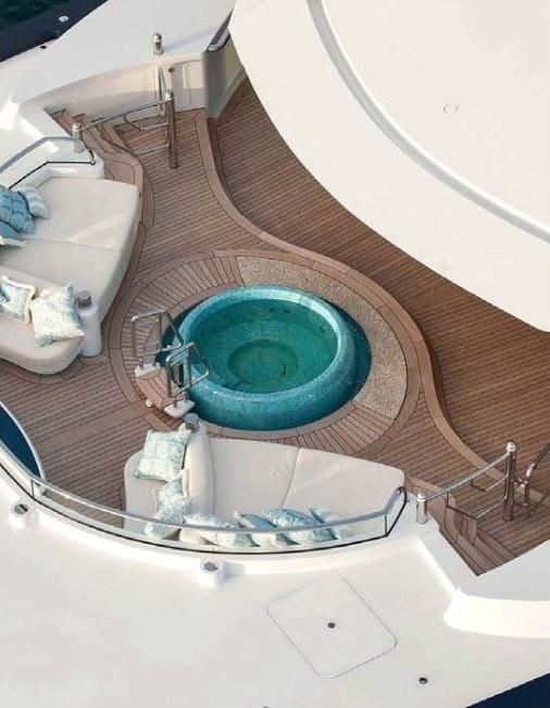 Jacuzzi Pool Aboard Yacht SOLANDGE
