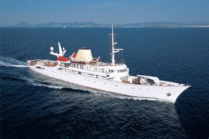 Christina o yacht charter details canadian vickers for Lurssen yacht genova