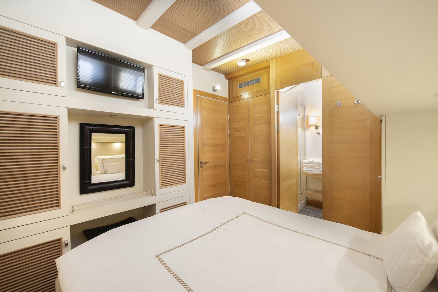 Double Guest Suite