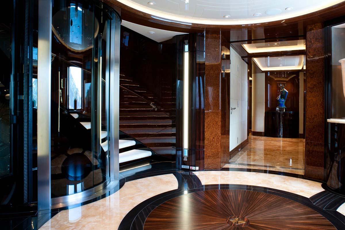 Excellence V Foyer Elevator