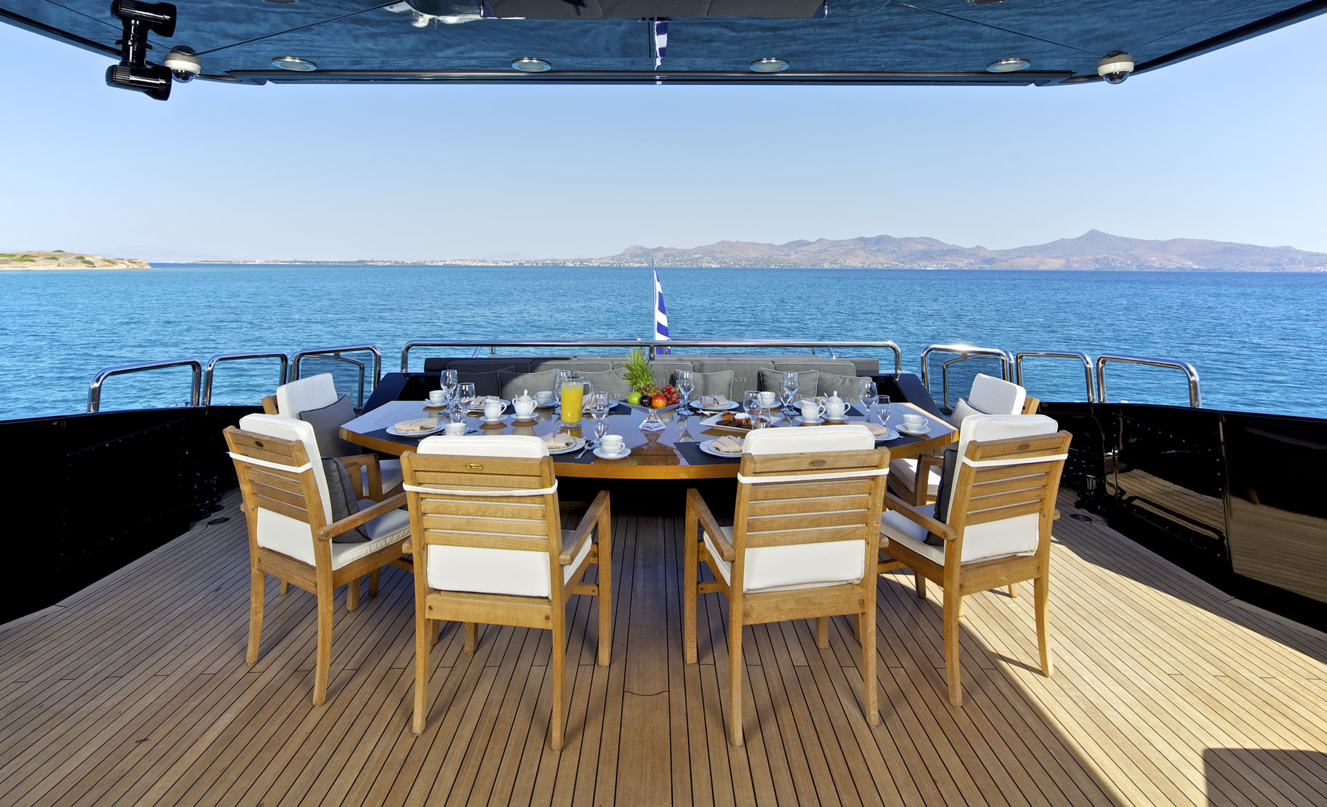 Fantastic Al Fresco Dining Possibility On The Aft Deck