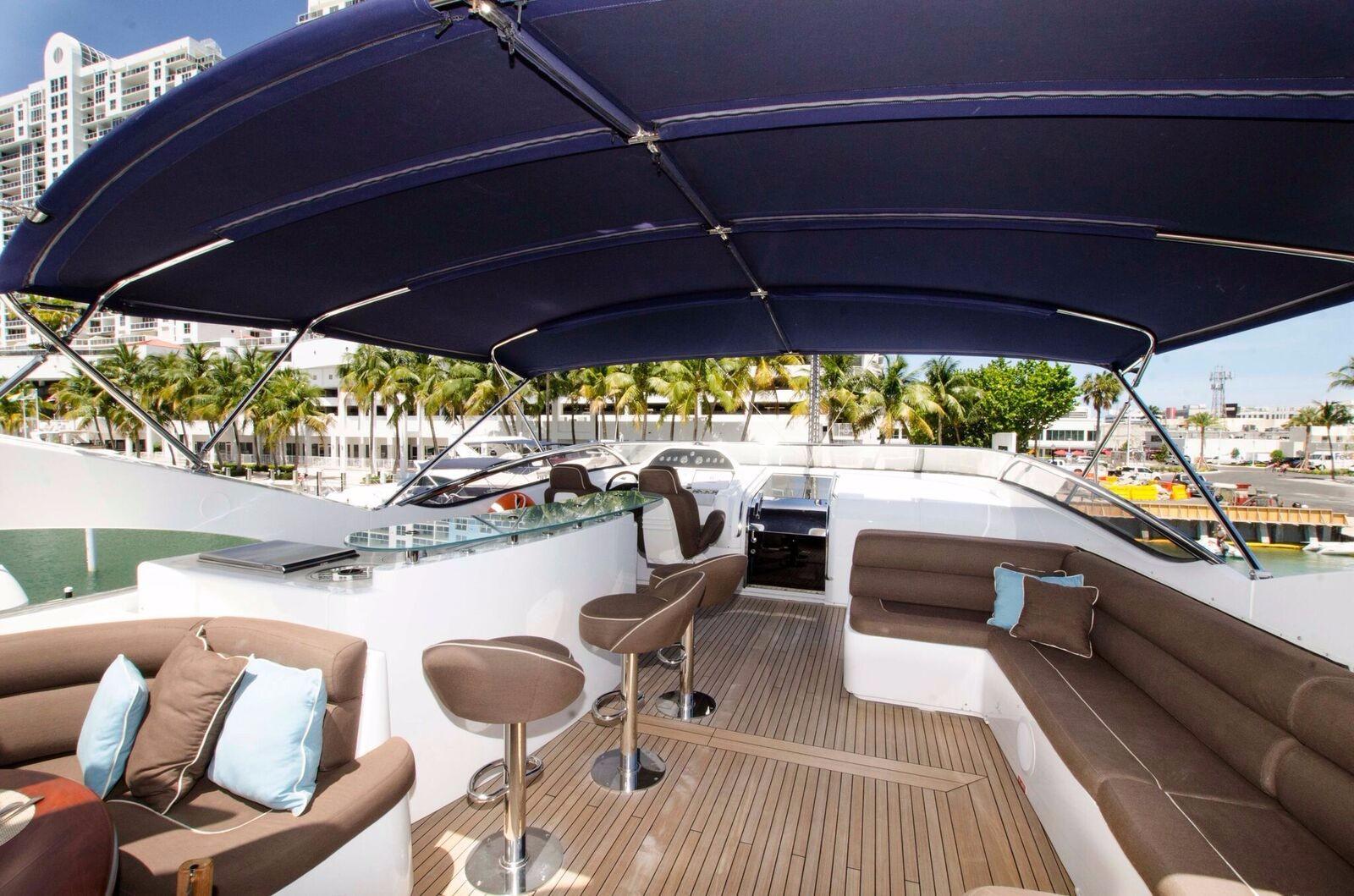 Flybridge Lounge