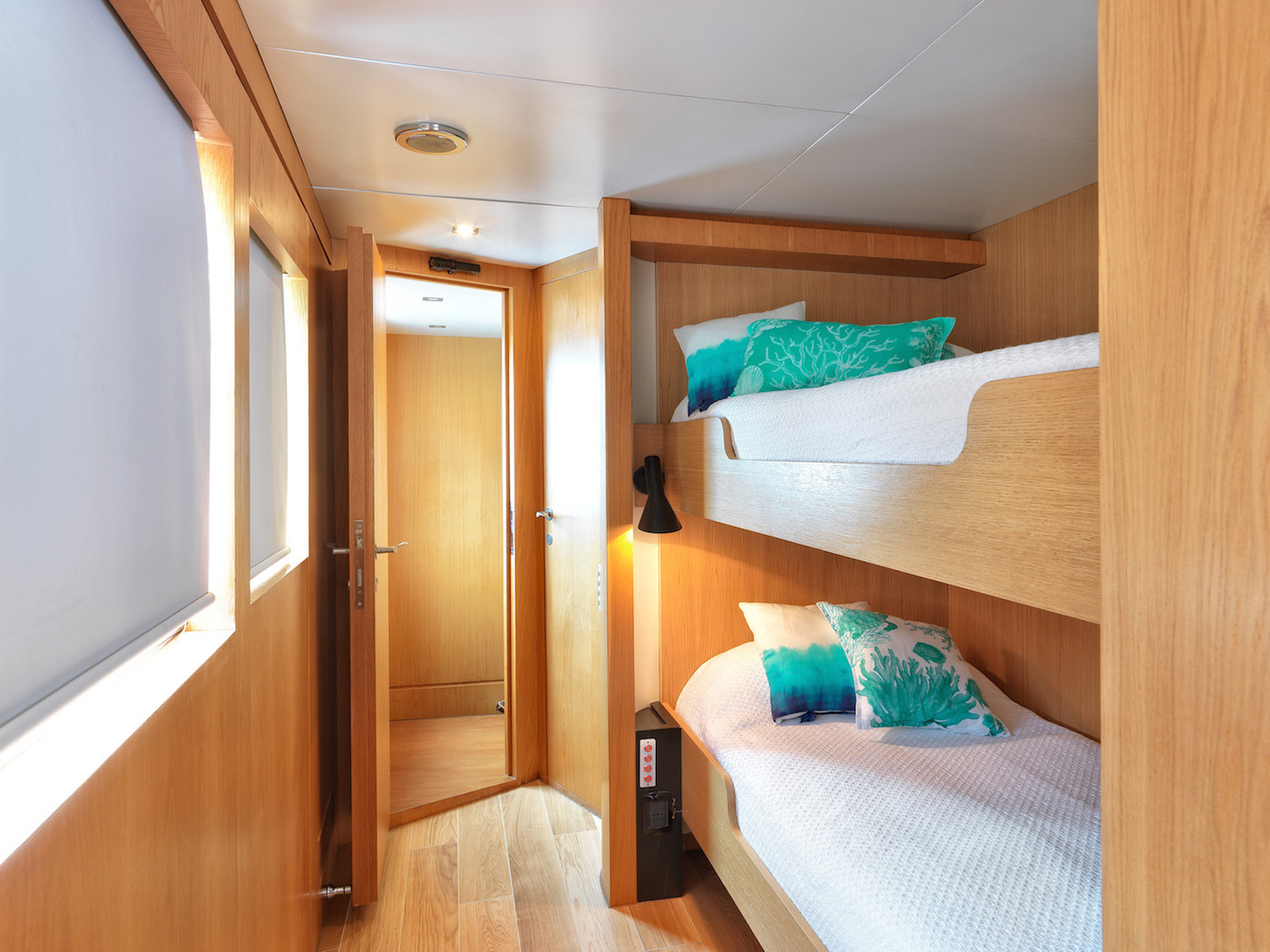 Guest cabin with Pullman beds