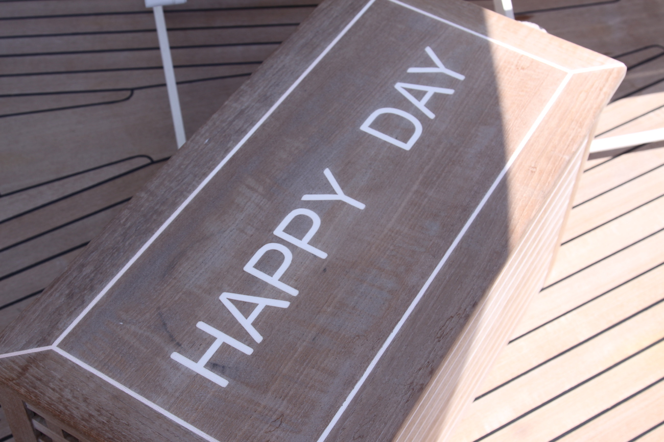 Happy Day Detail