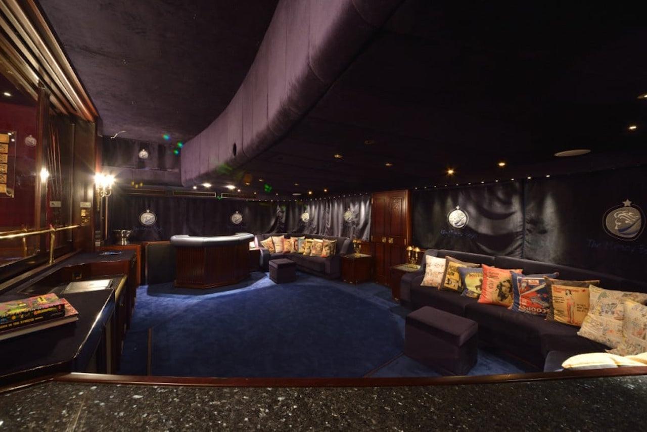 Interior - Disco Club