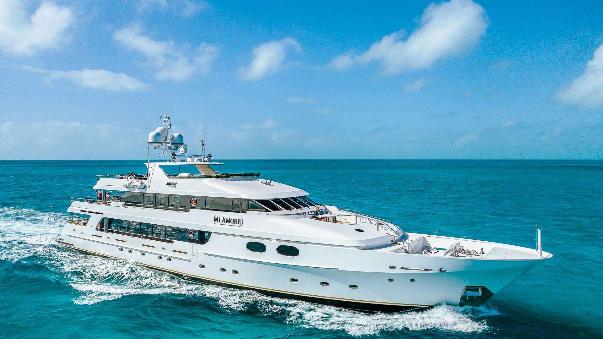 Luxury Yacht MI AMORE