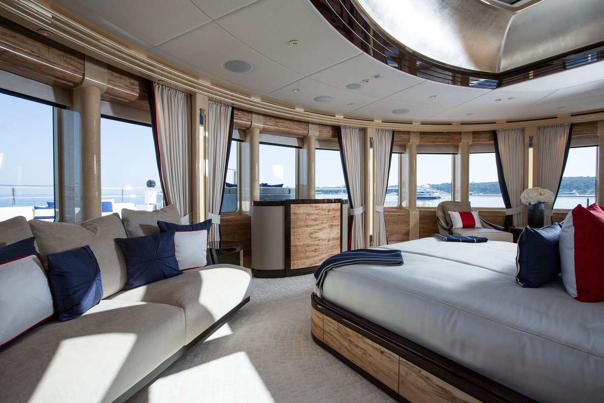 Motor Yacht EXCELLENCE V- Master Cabin