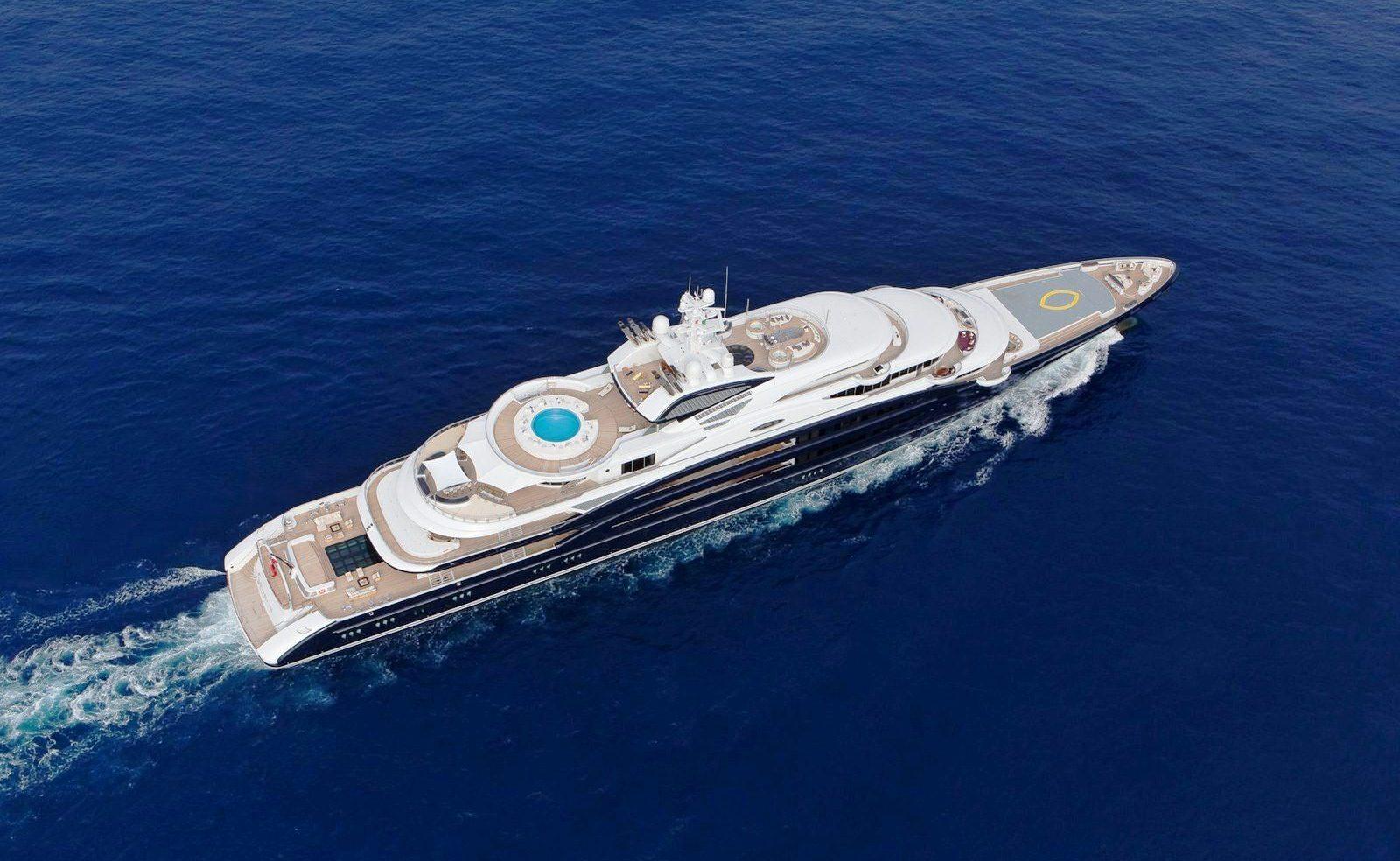 Motor Yacht SERENE - Sailing Underway