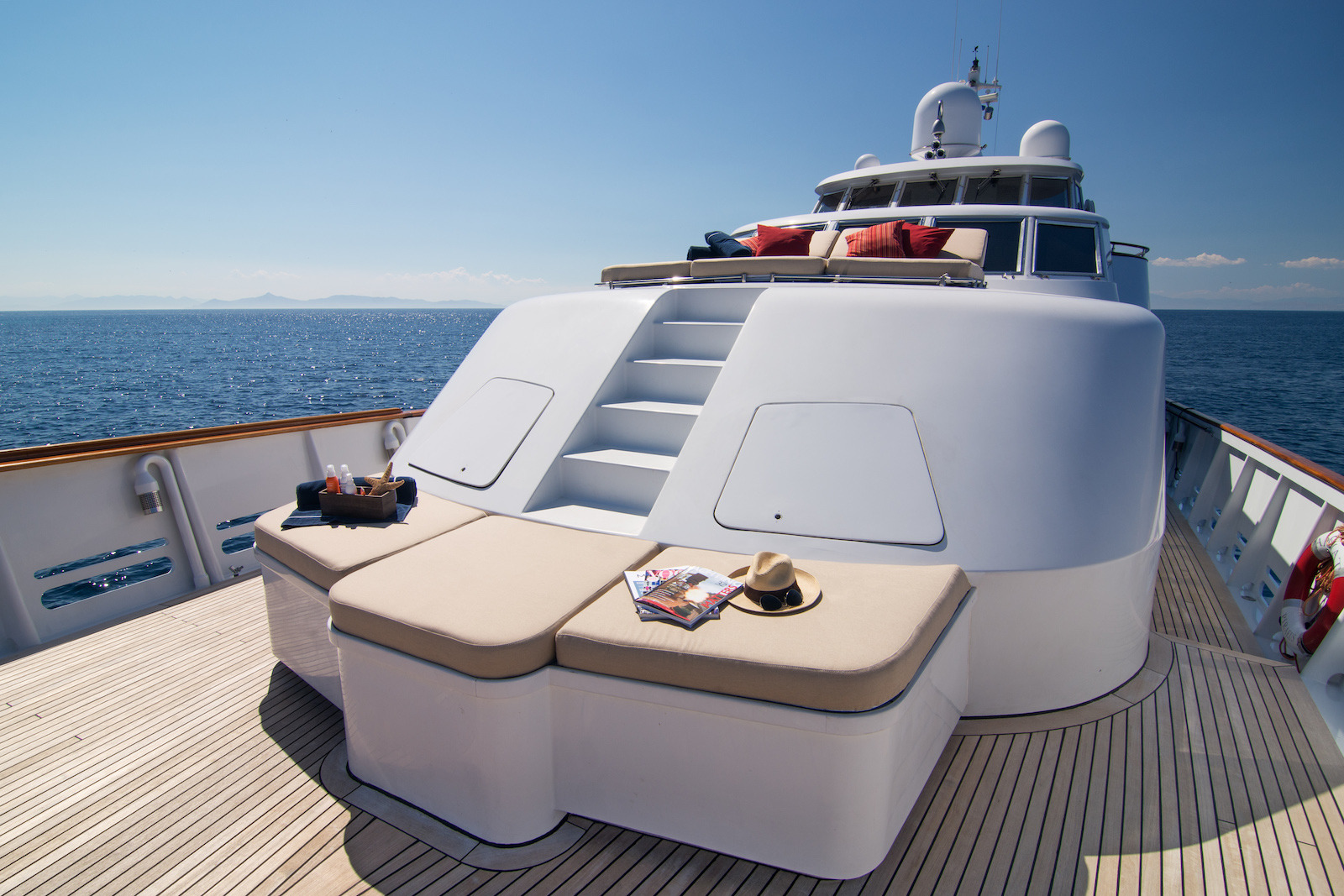 Spacious Foredeck With Seating