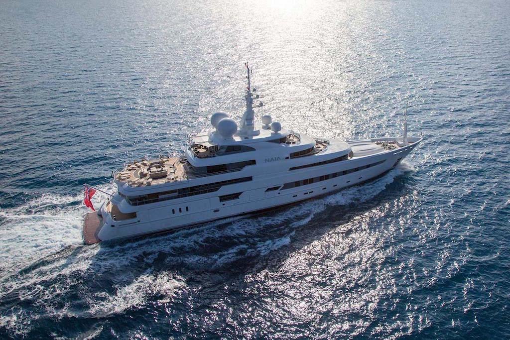 Superyacht Naia