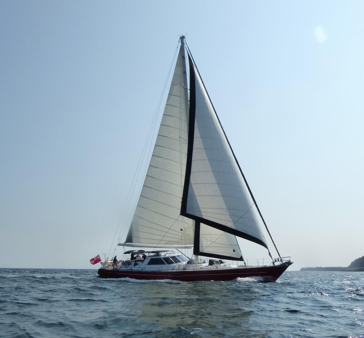 Yacht 'Mustang' - Sailing