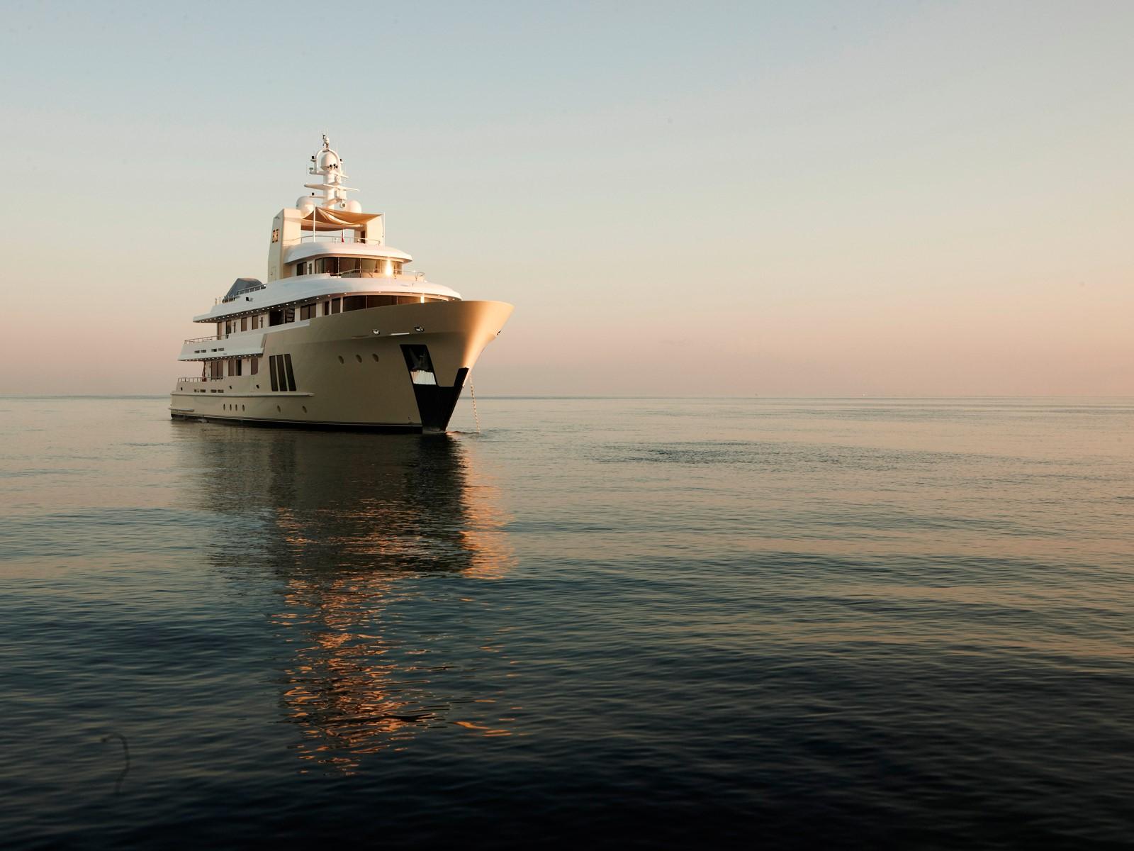 Yacht E&E