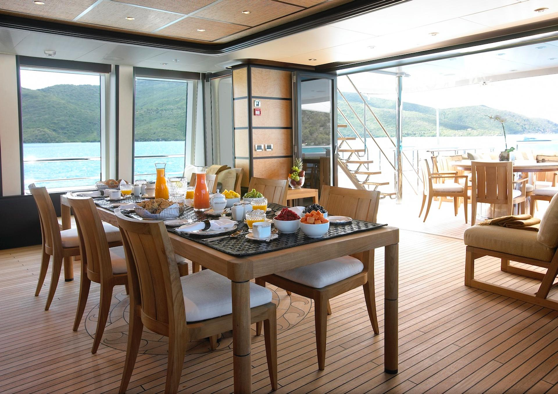 Yacht HARLE By Feadship - Breakfast