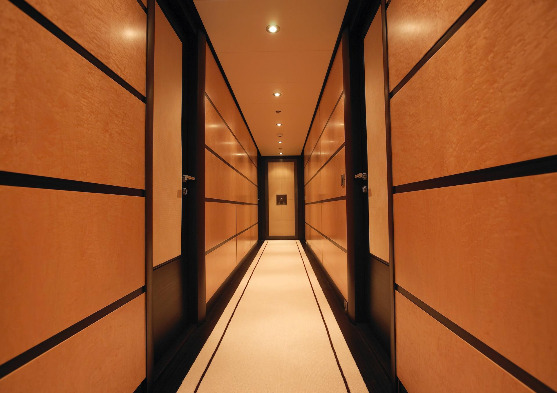 Yacht HARLE By Feadship - Hallway
