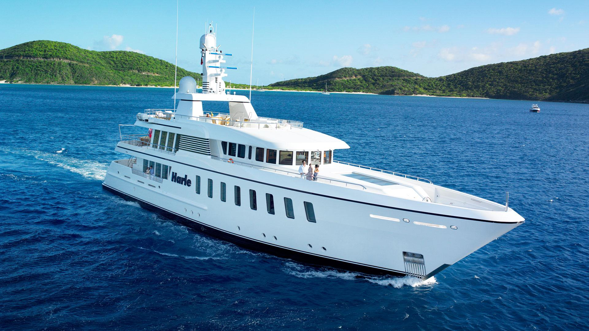 Yacht HARLE By Feadship - Underway In The Caribbean
