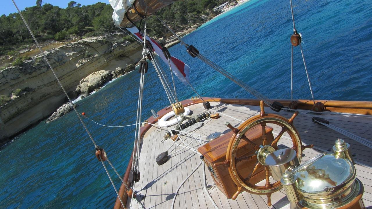 Yacht Moonbeam IV - Aft