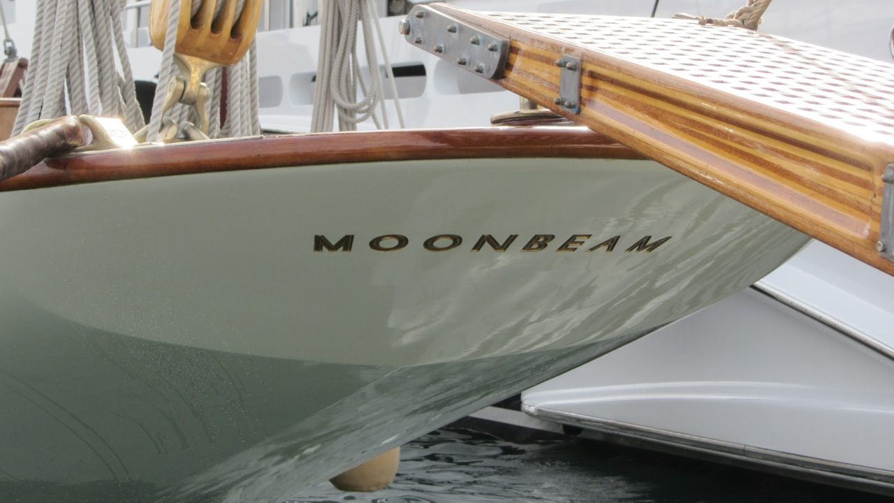 Yacht Moonbeam IV - Swallow Tail Transom
