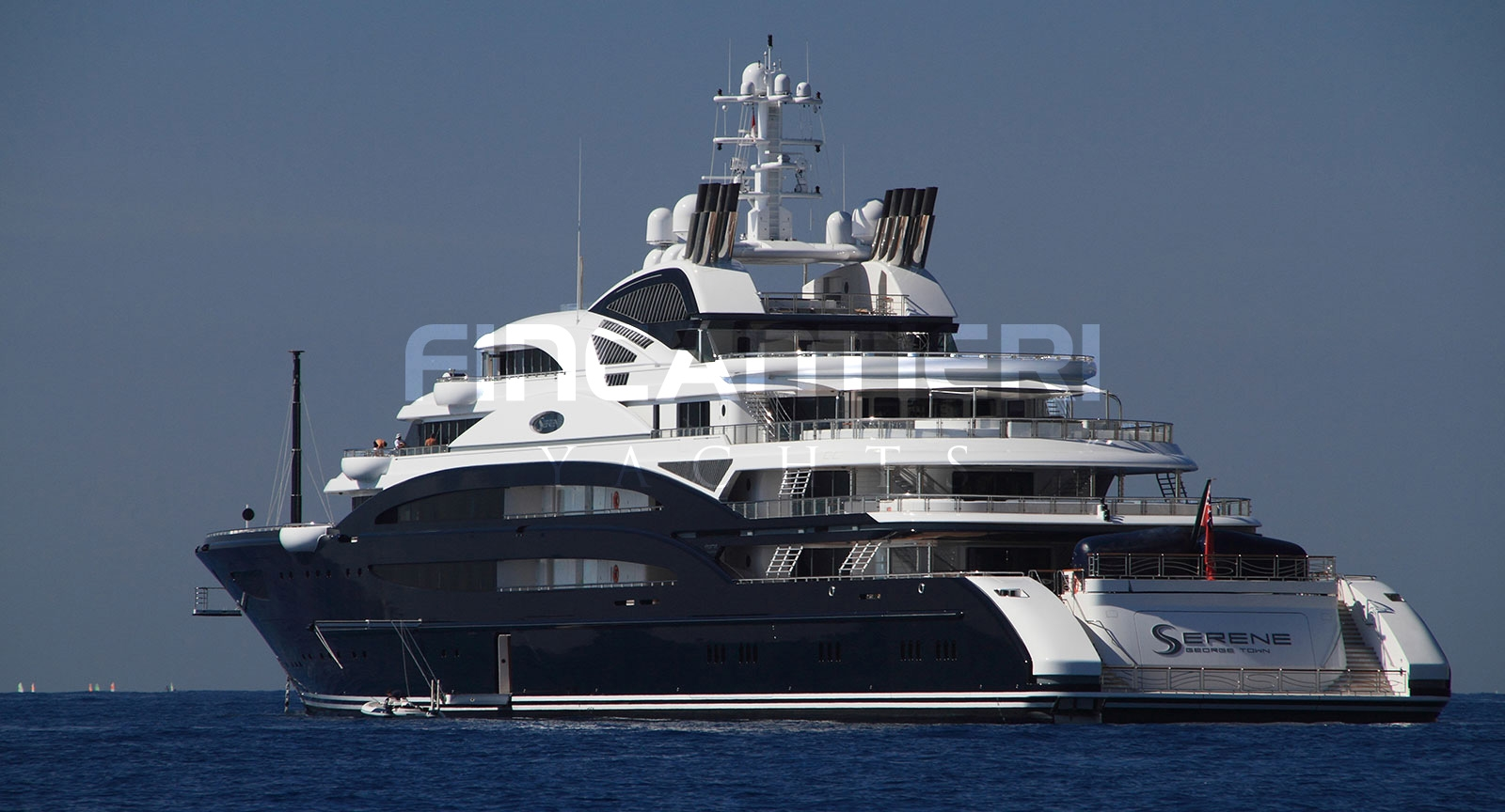 Yacht SERENE - Aft Profile