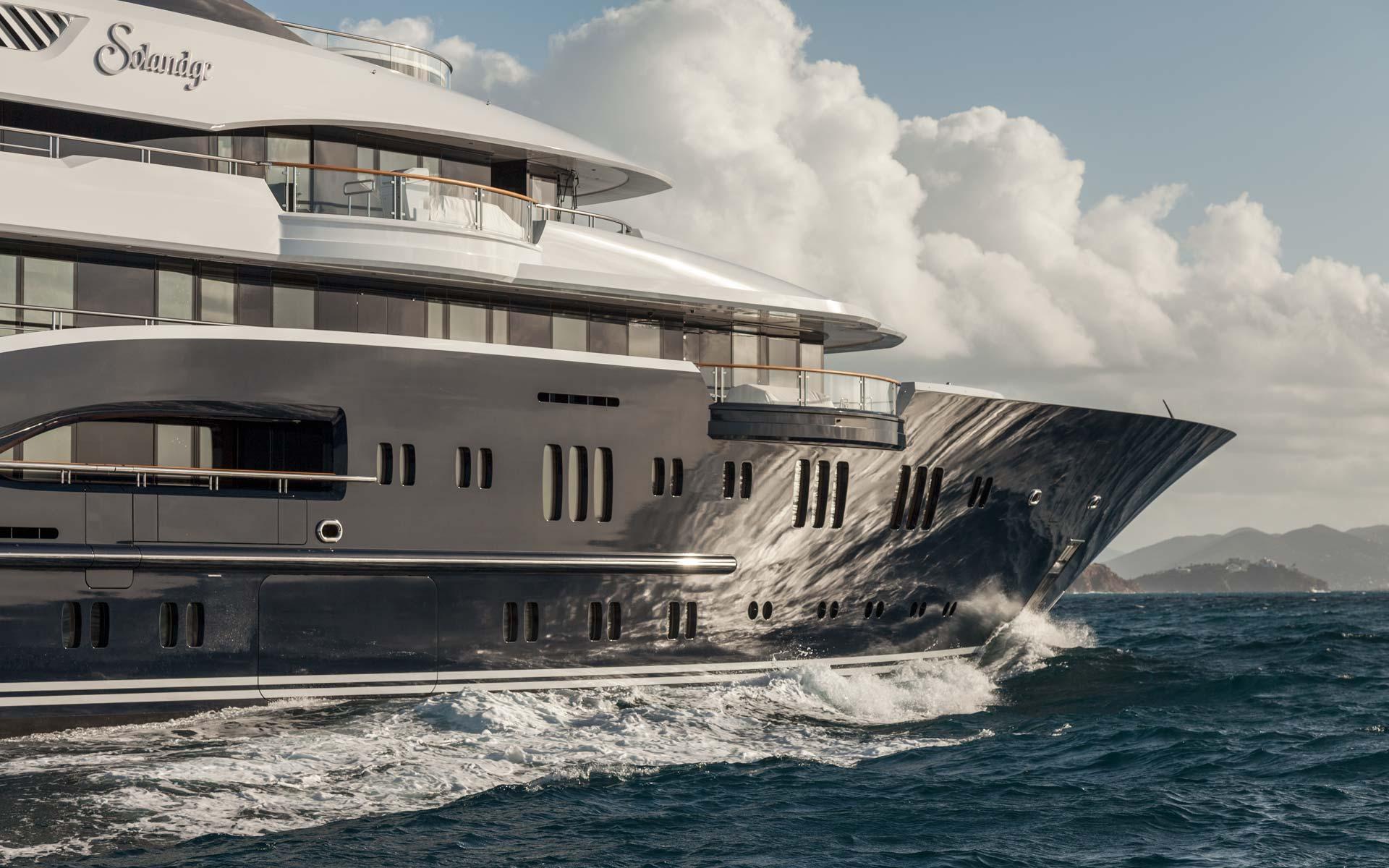 Yacht Solandge - Side