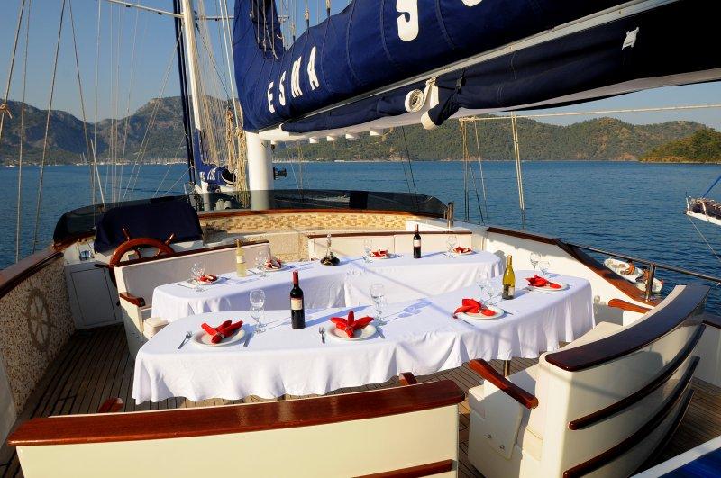 Alfresco Dining 982