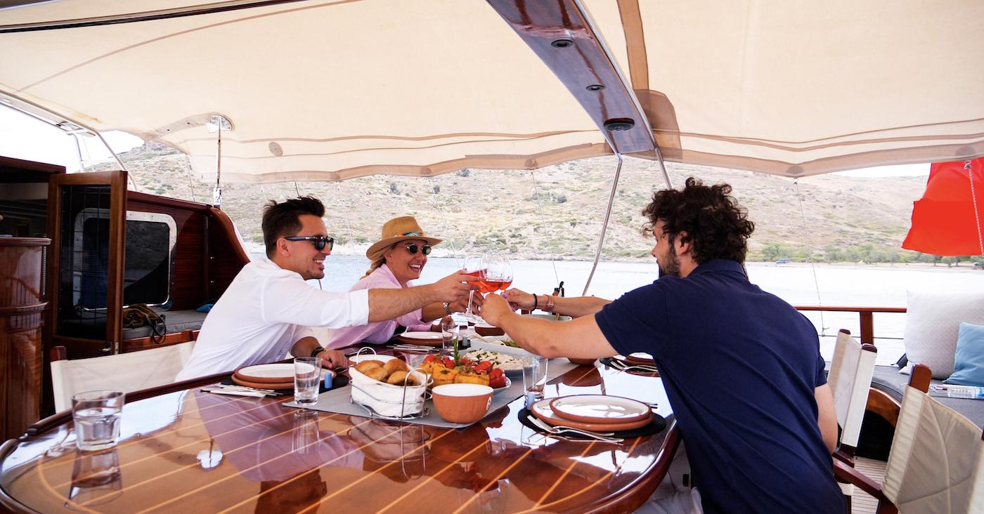 Alfresco Dining Aboard Yacht