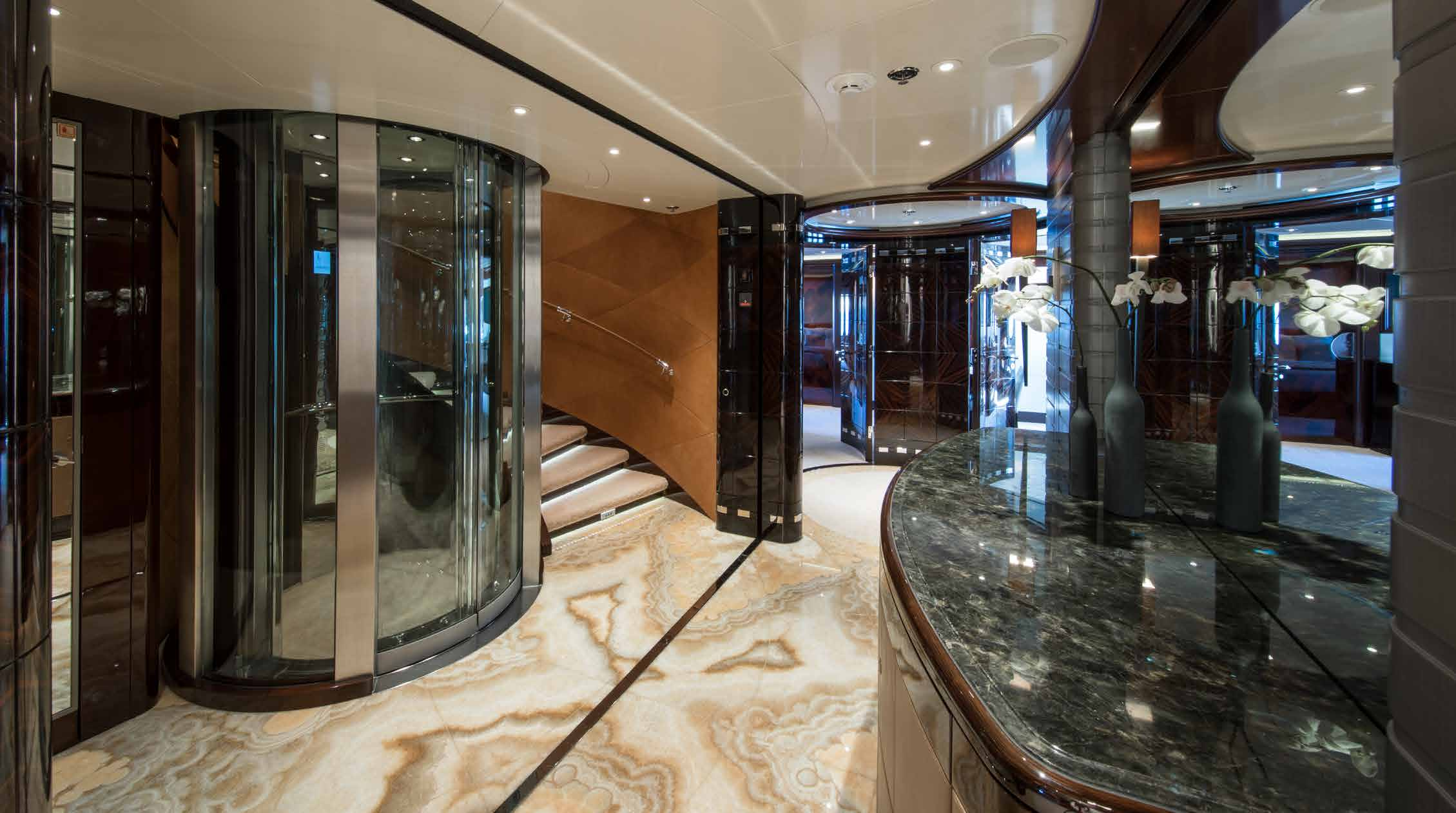 Foyer And Lift