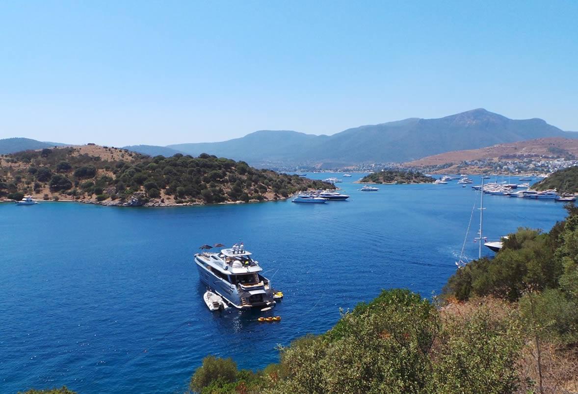 Luxury Motor Yacht Meya Meya