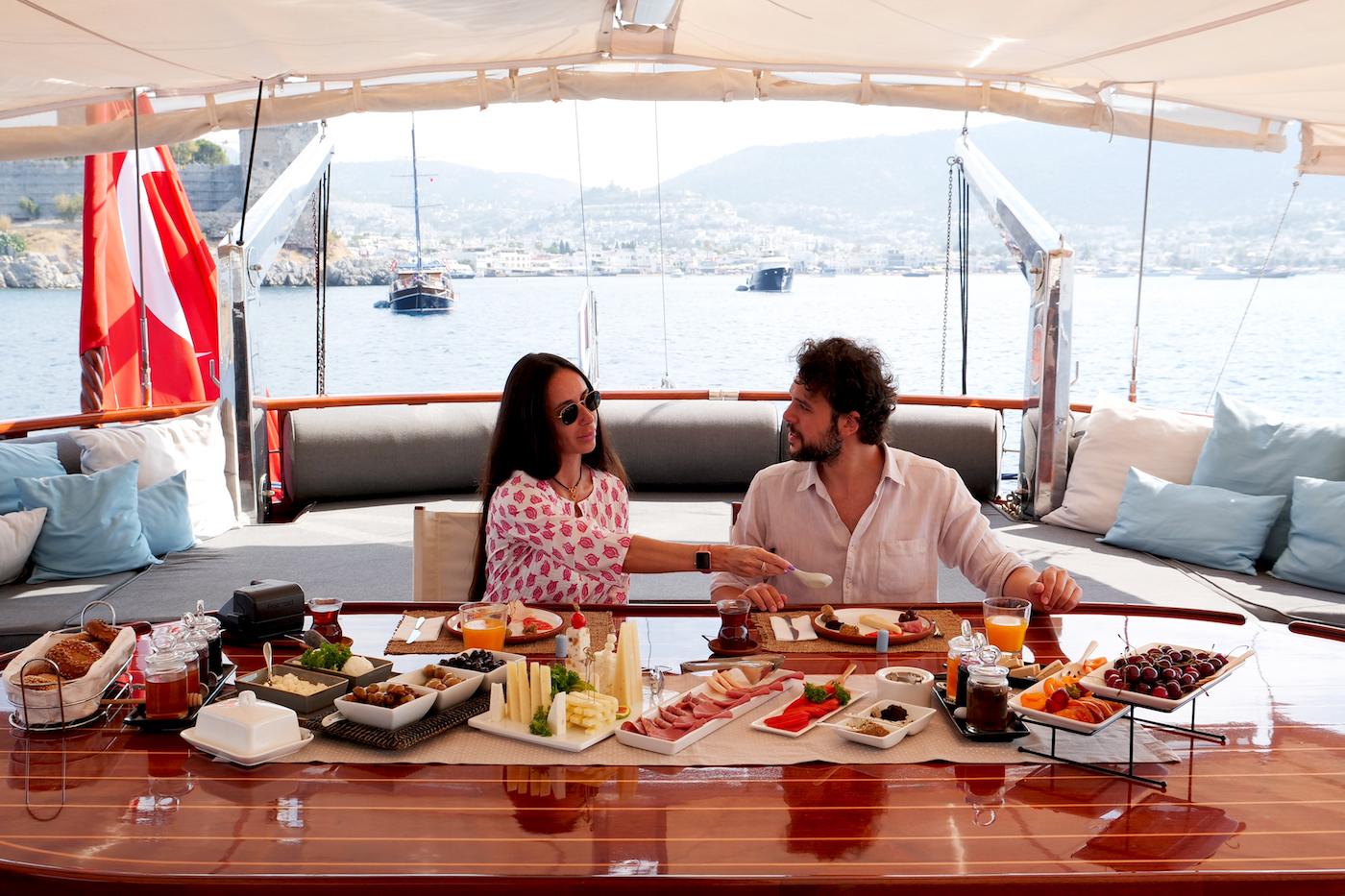 Superyacht Lifestyle Dining