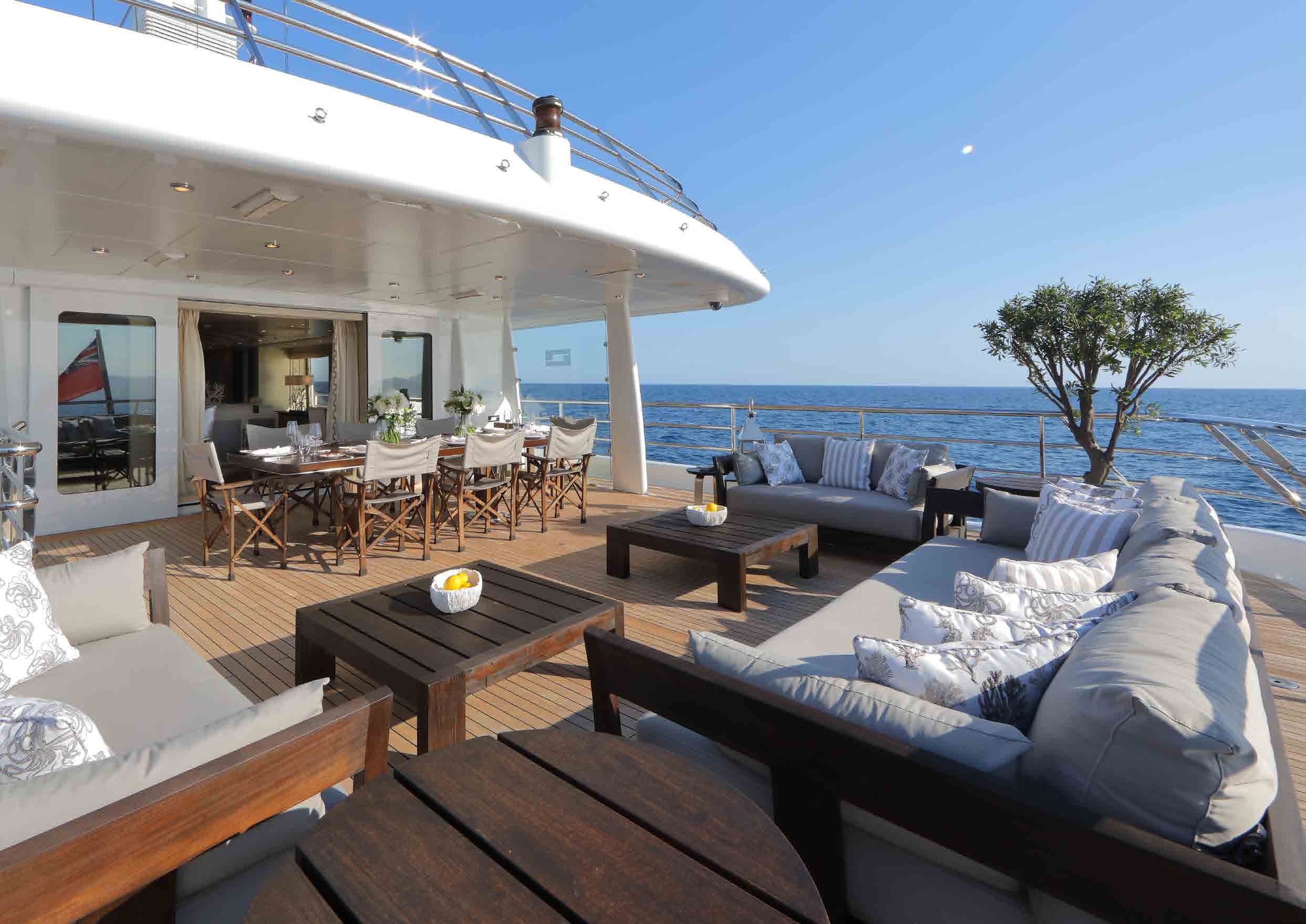 Upper Aft Deck Dining And Seating Area