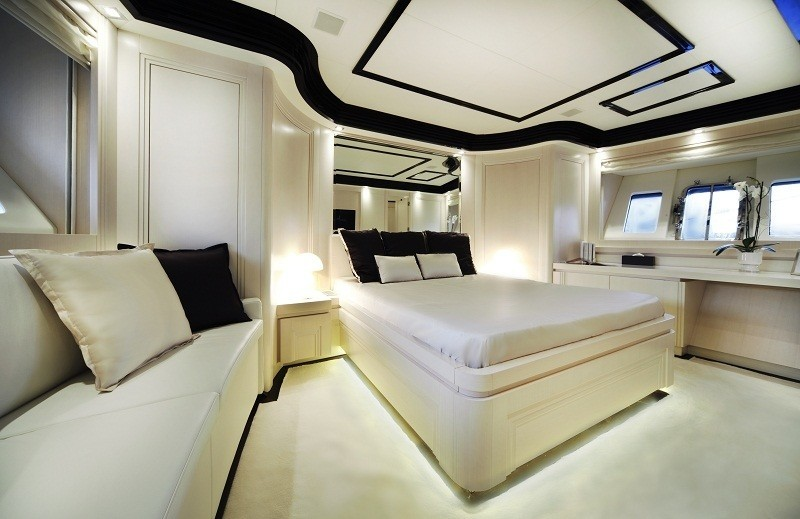 The 26m Yacht SAKATA