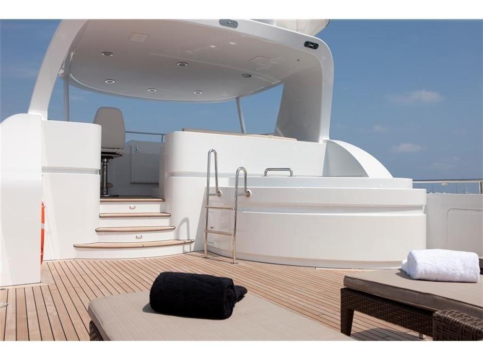 The 27m Yacht BELLE ISLE