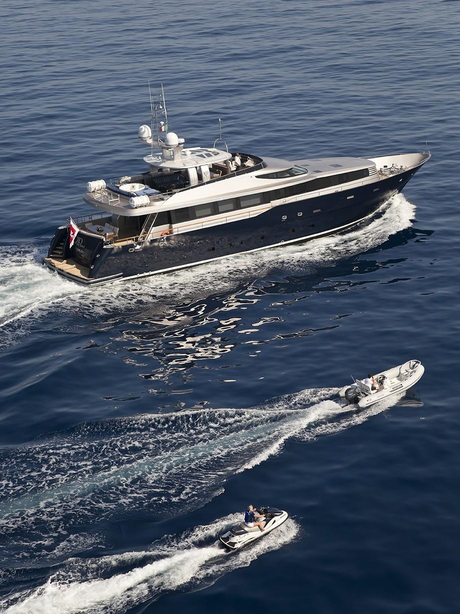 The 33m Yacht XO OF THE SEAS