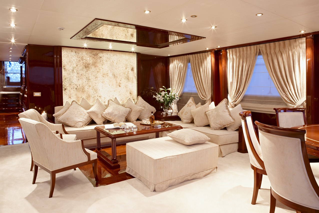 Saloon With Eating/dining On Yacht IRAKLIS L