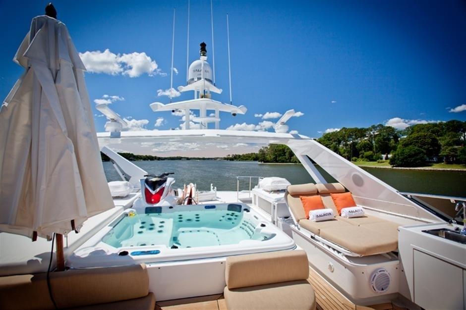 The 35m Yacht TRUE BLUE