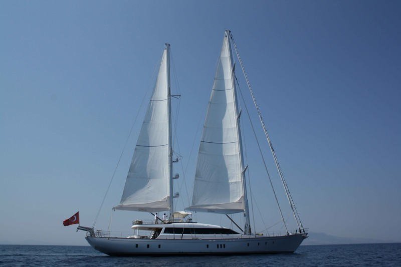 The 36m Yacht GLORIOUS