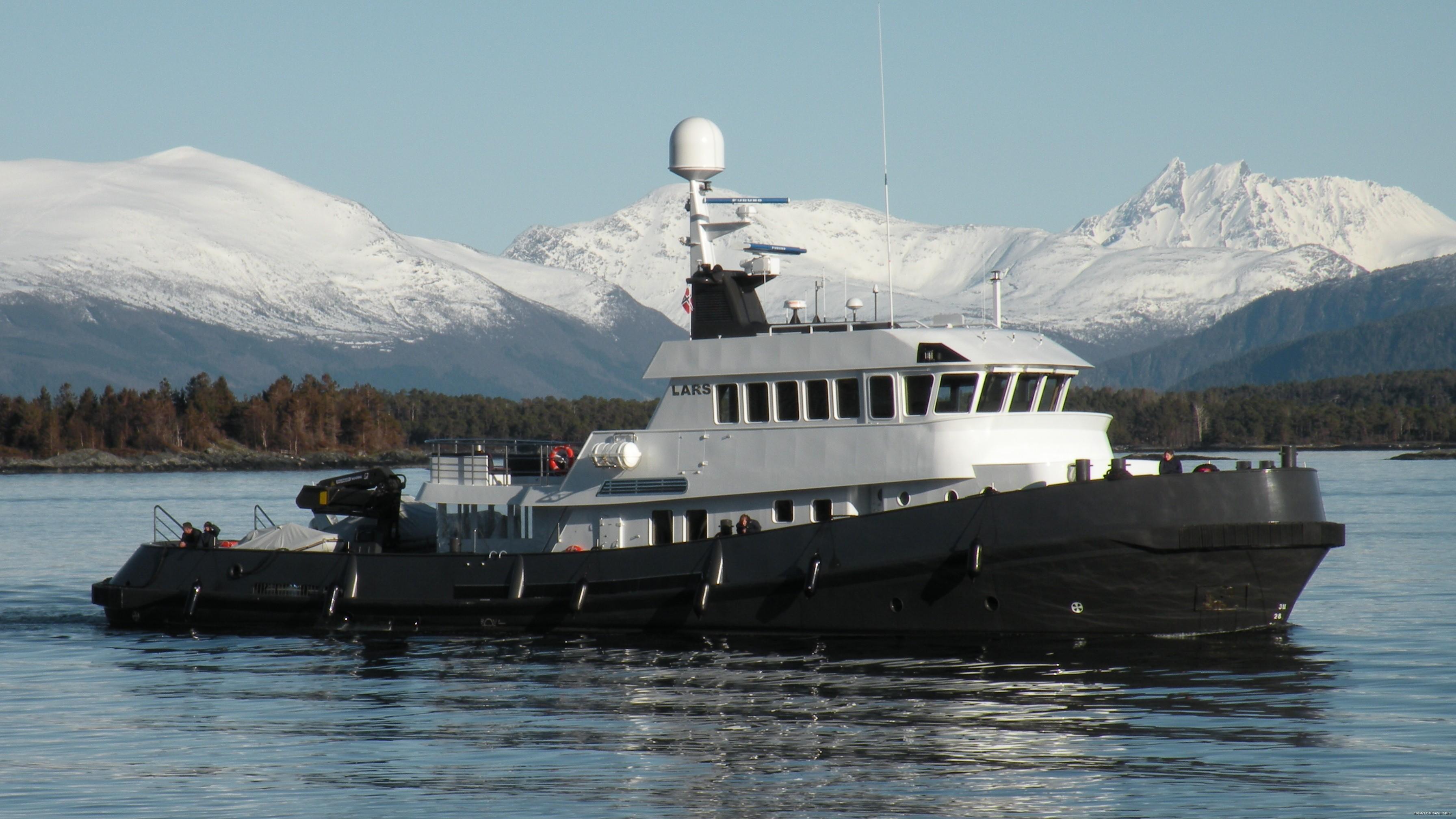 Premier Overview On Board Yacht LARS