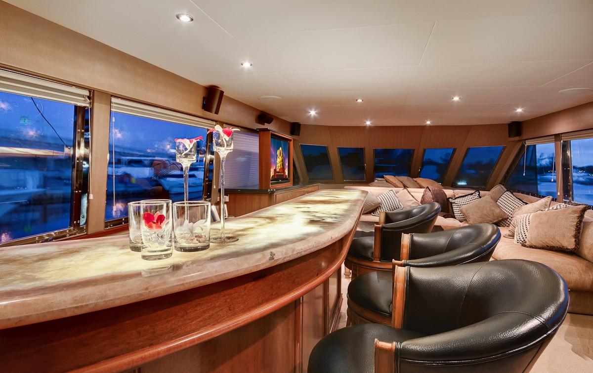 Drinks Bar On Yacht ANDIAMO