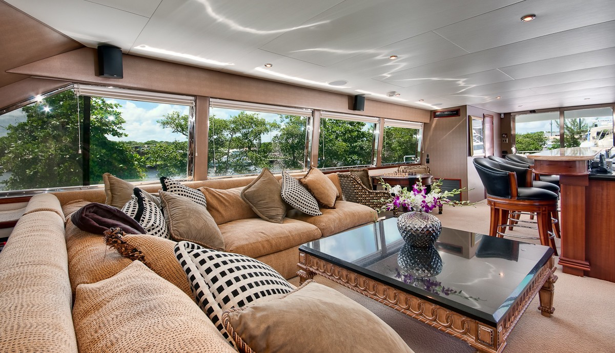 Profile: Yacht ANDIAMO's Saloon Pictured