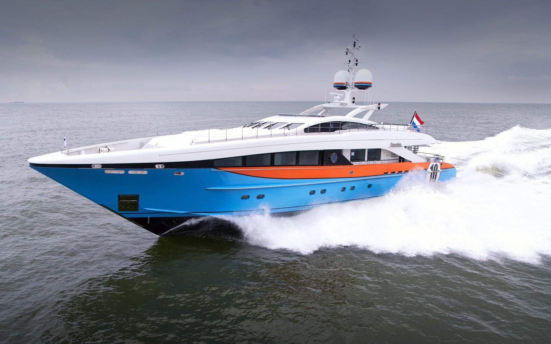 Profile Aspect: Yacht AURELIA's Cruising Pictured