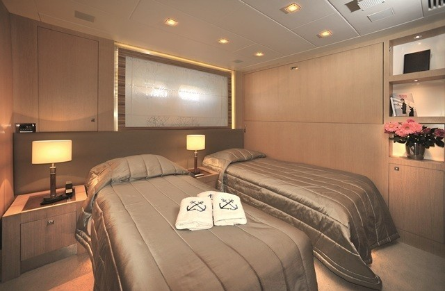 Twin Bed Stateroom On Board Yacht ESPRESSO