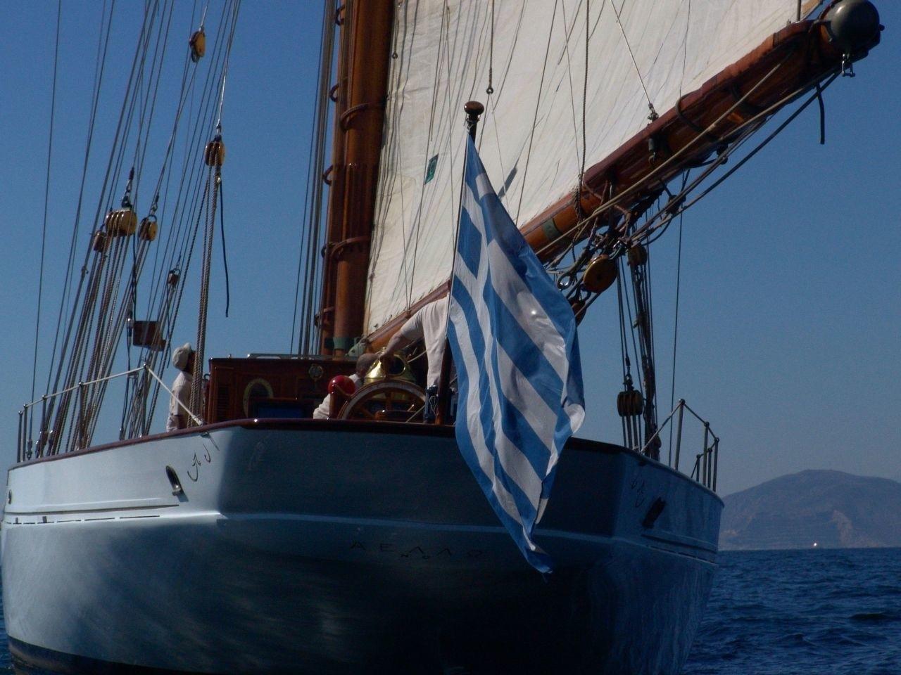 The 38m Yacht AELLO