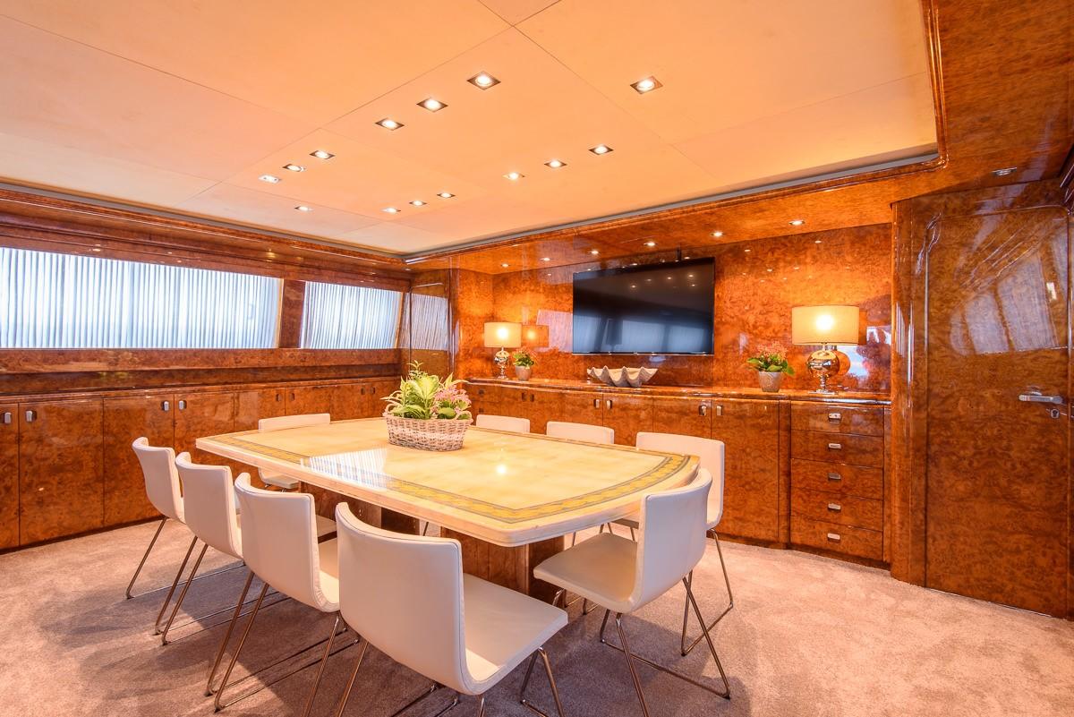 The 38m Yacht OCEAN GLASS