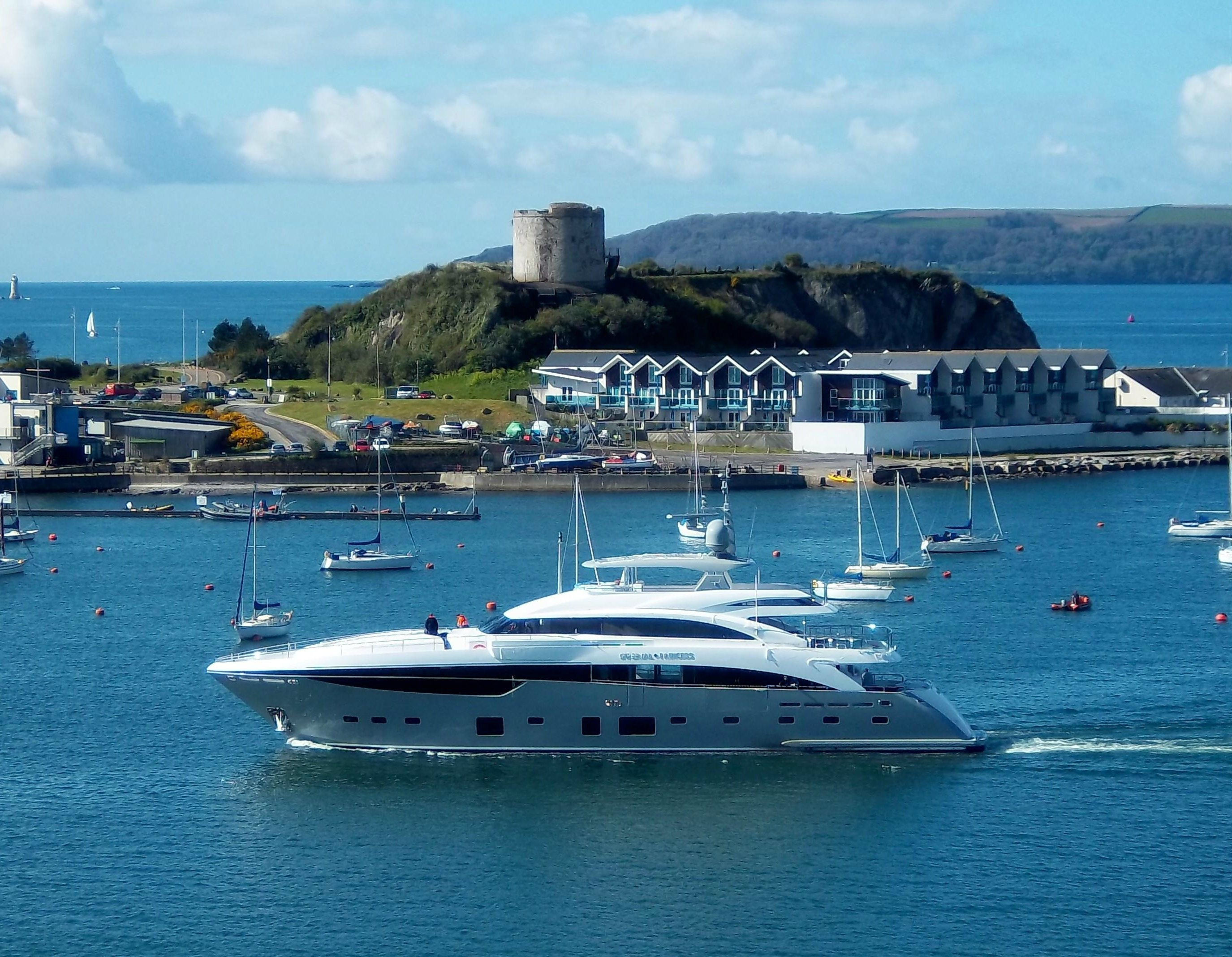 The 40m Sunseeker Luxury Yacht IMPERIAL PRINCESS BEATRICE