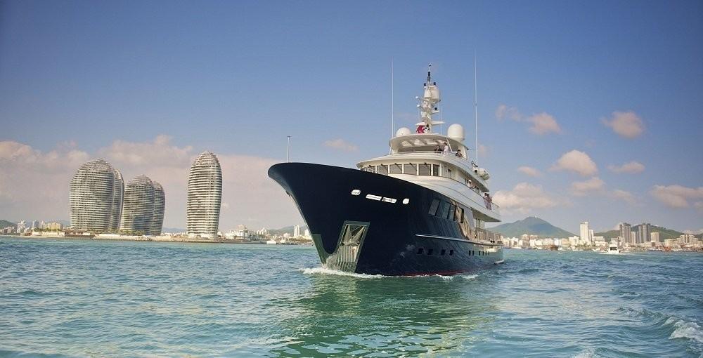 The 42m Yacht STAR