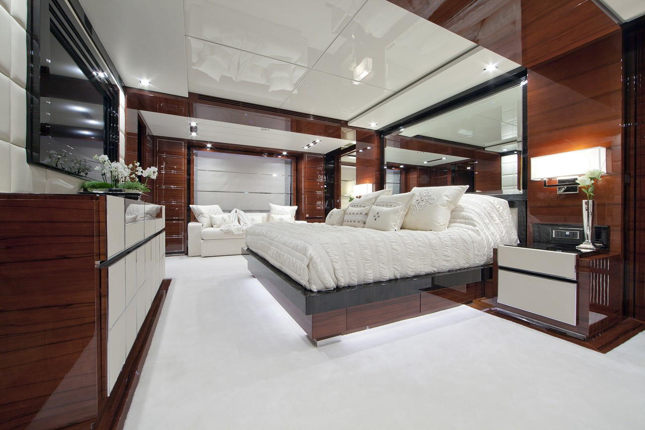 Profile Aspect: Yacht WILD ORCHID I's Main Master Cabin Pictured