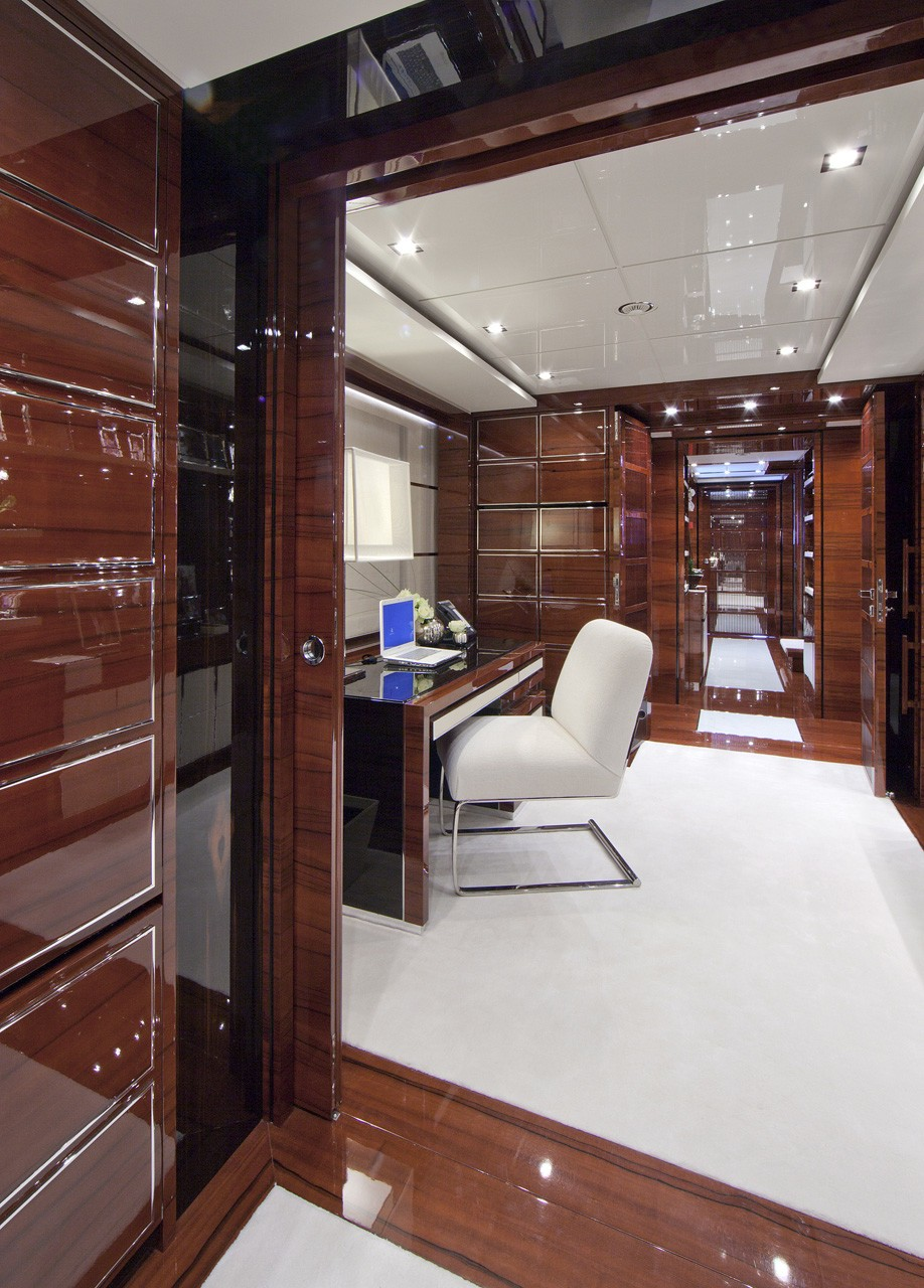 Main Master Study On Yacht WILD ORCHID I