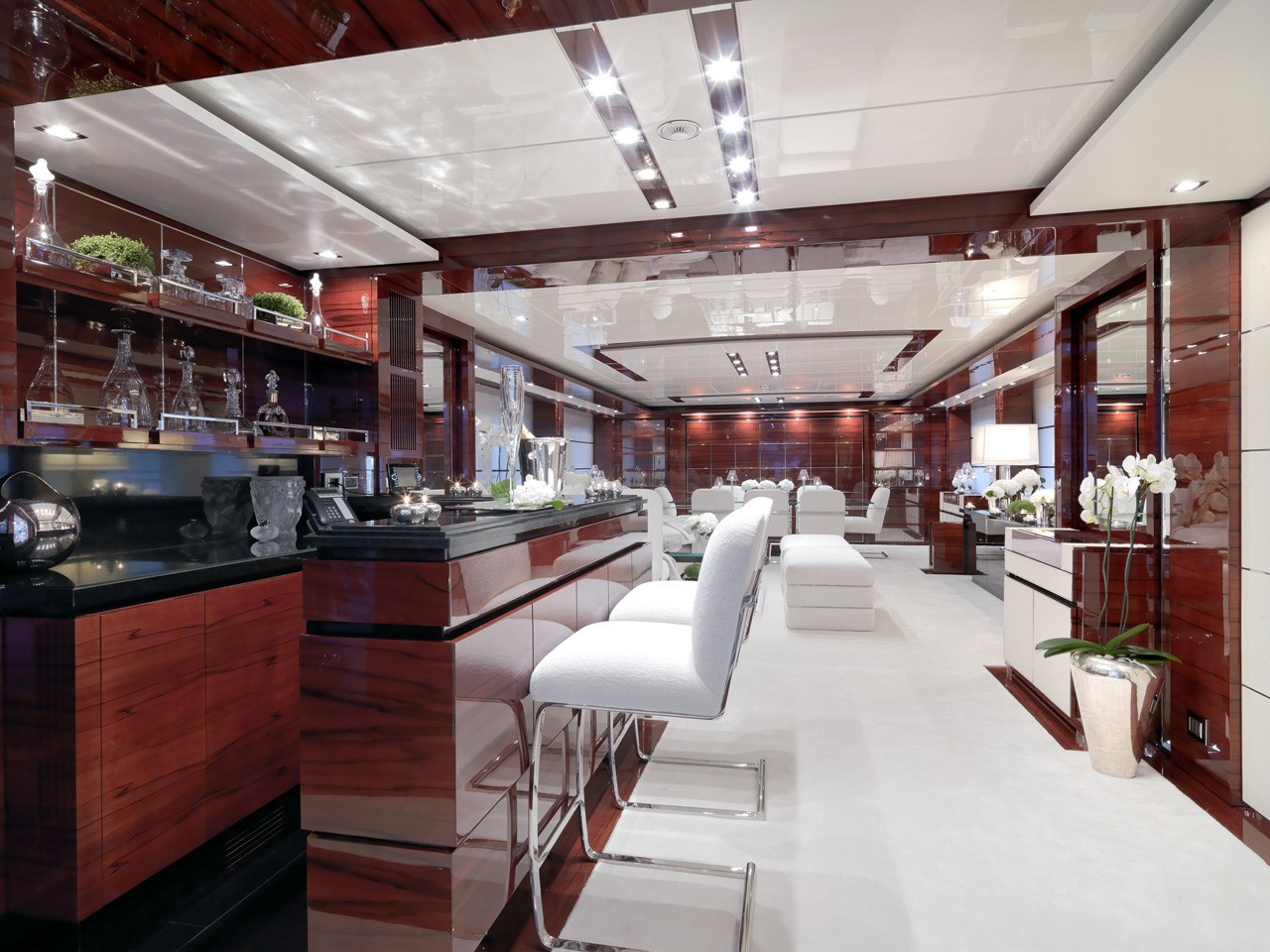 Drinks Bar On Board Yacht WILD ORCHID I