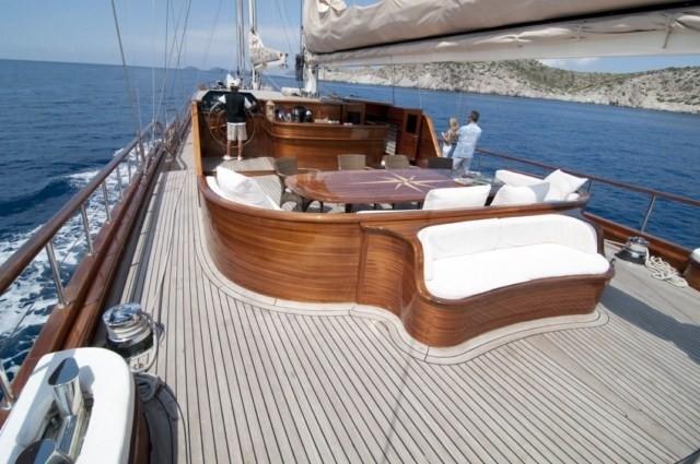 The 47m Yacht CARPE DIEM IV